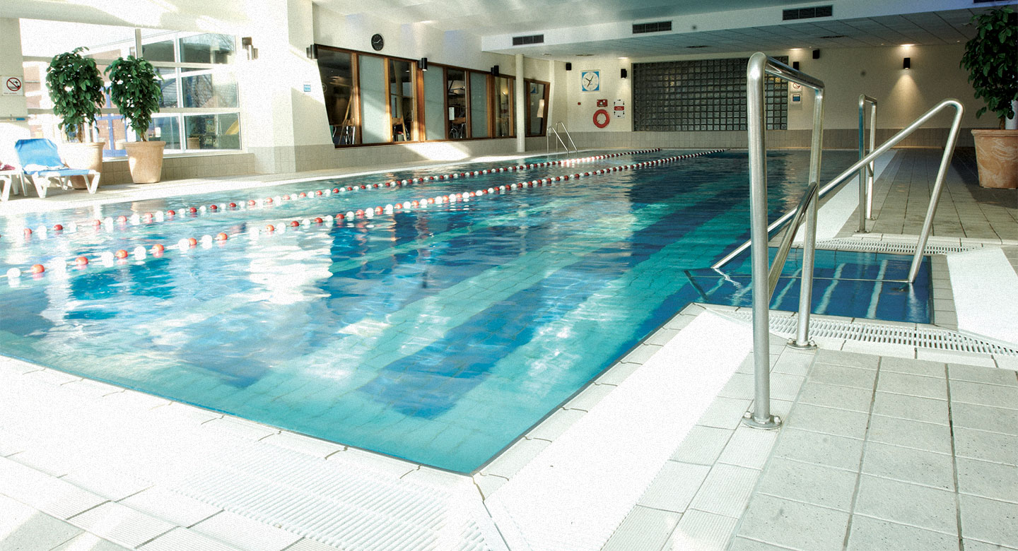 David Lloyd Utrecht indoor pool